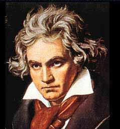 """Ludwig van Beethoven (1770-1827)-compositor alemão, reconhecido como o grande elemento de transição entre o Classicismo e o Romantismo. De fato, ele foi um dos primeiros compositores a dar papel fundamental ao elemento subjetivo na música. """"Saída do coração, que chegue ao coração"""", disse a respeito de uma de suas obras. Toda obra beethoveniana é fruto de sua personalidade sonhadora e melancólica, um tanto épica, verdadeiramente romântica. Mas ele não abandonou as formas clássicas herdadas de Mozart e de """"papai"""" Haydn. Beethoven soube fazer arte inovadora nos moldes tradicionais, sem os destruir, mas alargando suas fronteiras. Esse processo transfigurador aconteceu gradualmente, e culminou em obras como os últimos quartetos de cordas, radicalmente distantes dos similares de Mozart, por exemplo. O estilo de Beethoven tem características marcantes: grandes contrastes de dinâmica (pianissimo x fortissimo) e de registro (grave x agudo), acordes densos, alterações de compasso, temas curtos e incisivos, vitalidade rítmica e, em obras na forma-sonata, desenvolvimentos longos em detrimento de exposições mais concentradas. Fonte: www.imcsouzacampos.com.br"""