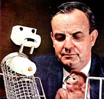 Harry Harlow com o macaquinho dos seus experimentos.