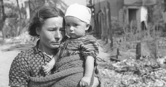 trauma-generations_mother-child-world-war2